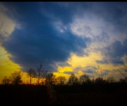 Foto: dreigende wolkenlucht boven Leusden.